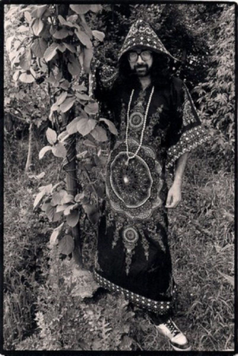 Bard of Ely as photographed at home wearing a very long kaftan. Photo by Steve Lane.
