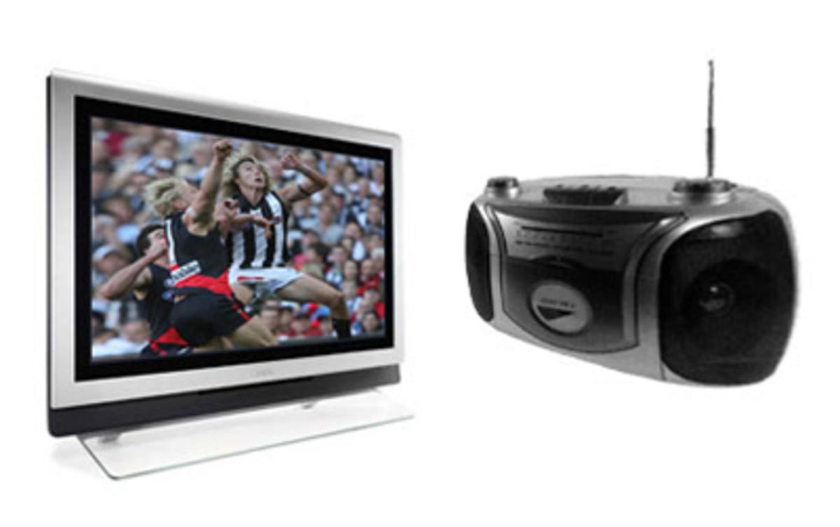 comparison-among-radio-television-and-internet