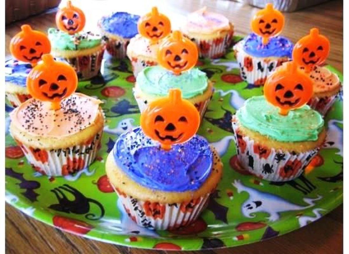 Smiling Pumpkin Cupcakes