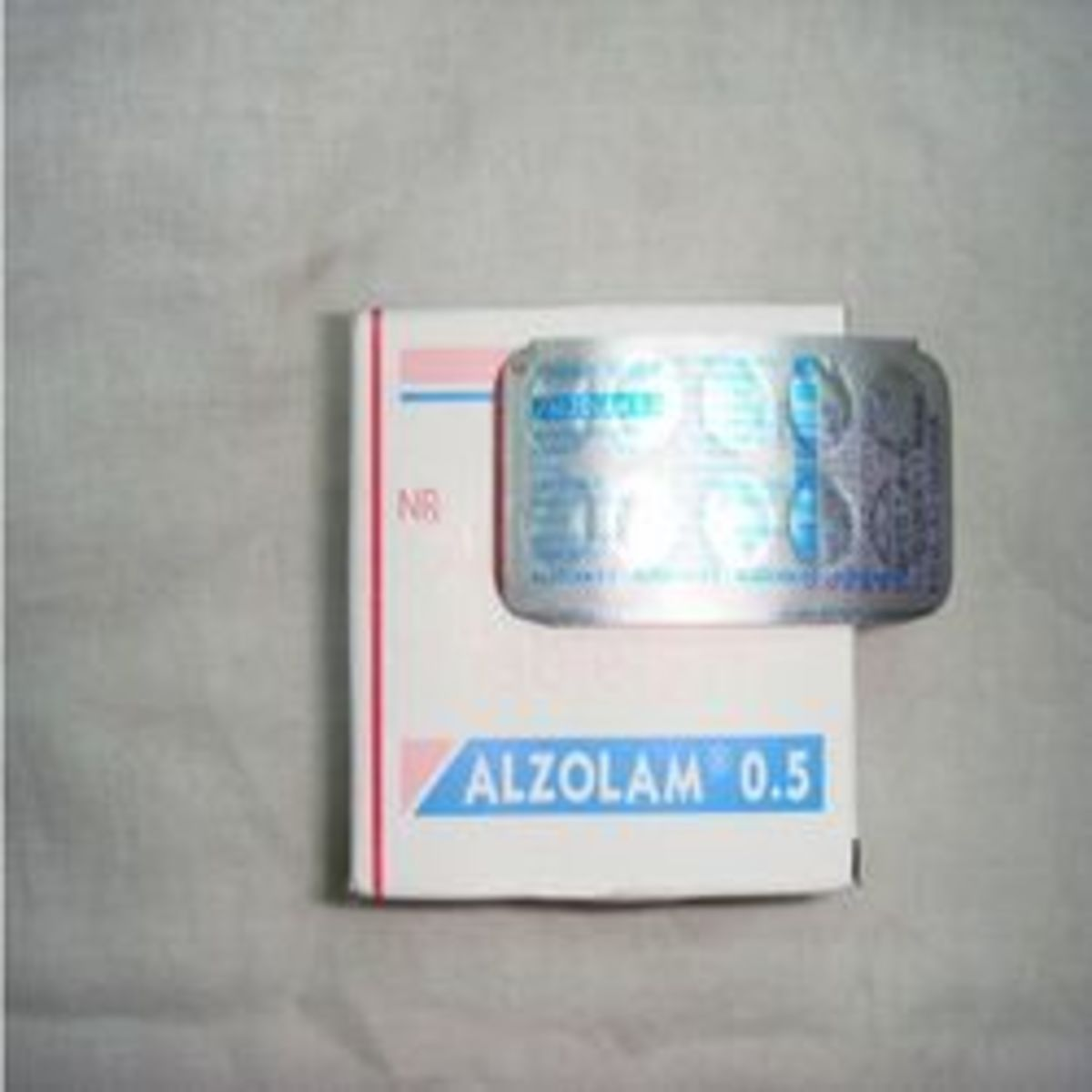 Alzolam uses and side effects