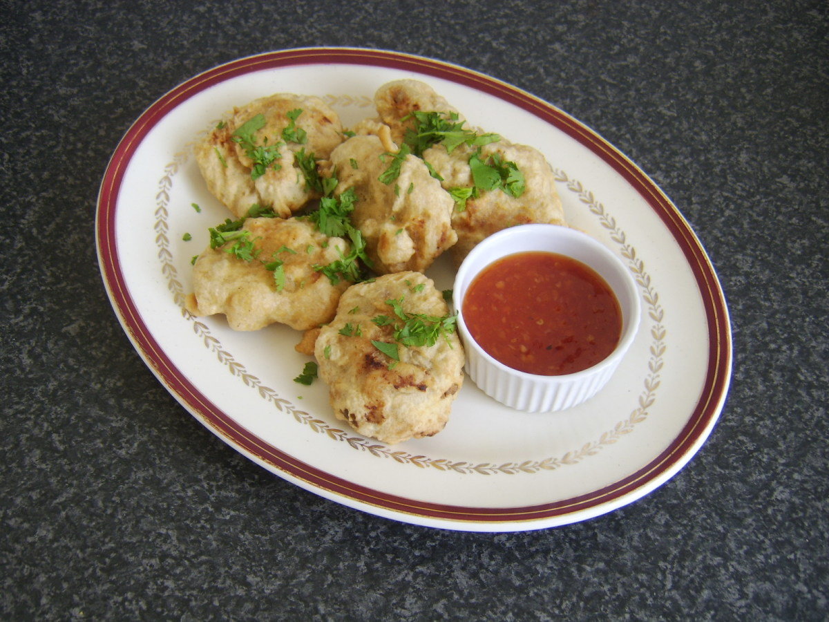 Chicken and potato patties deep fried in batter with sweet chili dipping sauce