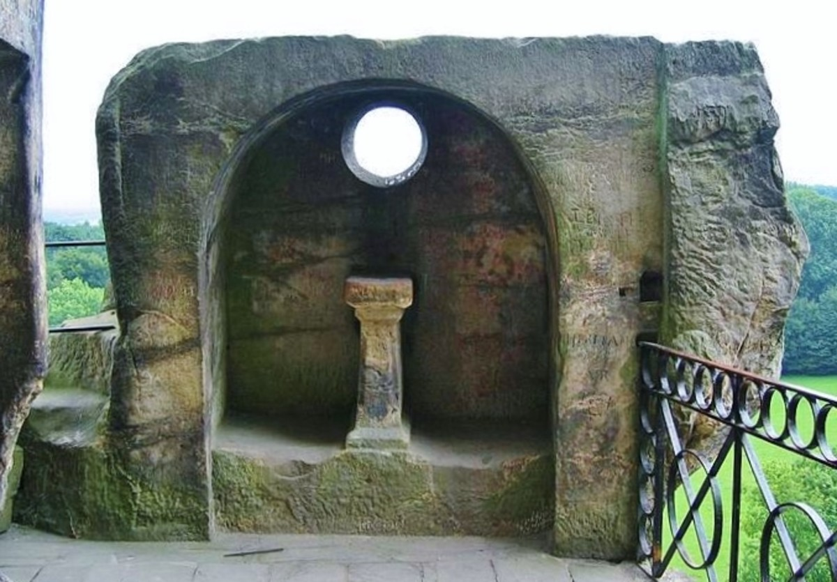 A grotto with altar carved into the stone at Externsteine. Photo by R. Engelhardt