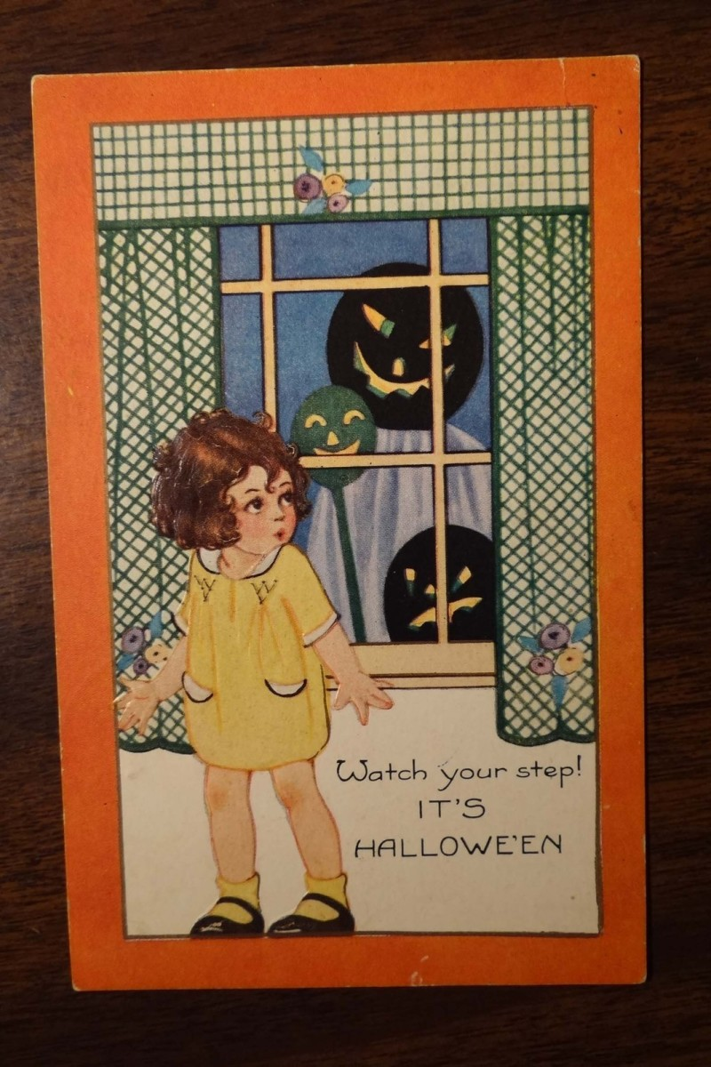 collecting-whitney-made-vintage-postcards