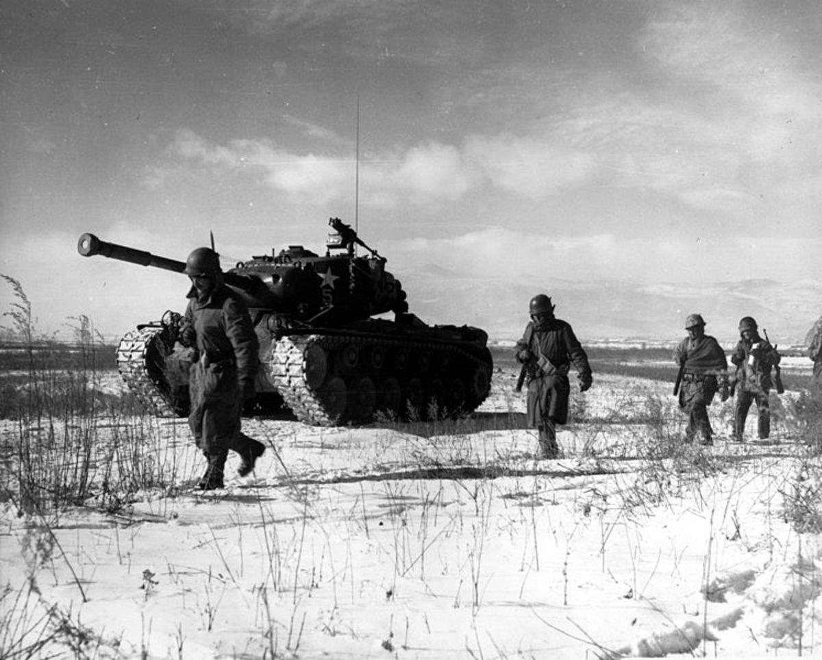 U.S. Marine making their way off the Chosin Plateau.