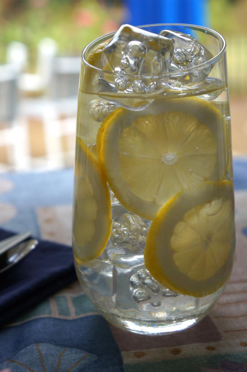 Lemon water: good on every full moon