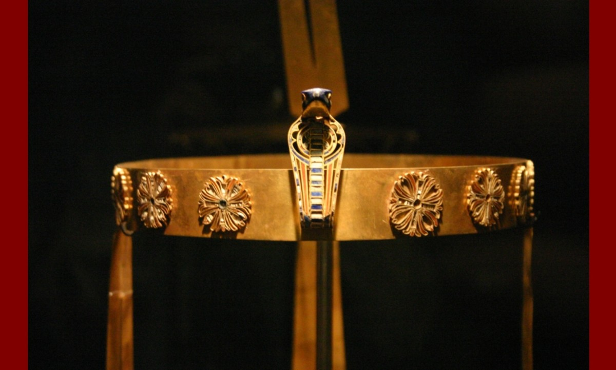 The Diadem or Crown of Princess Sit-Hathor Yunet from her tomb. She was the daughter of the 12th dynasty pharaoh, Senusret II, and the sister of pharaoh Senusret III. This masterpiece of Ancient Egyptian art work is now located in the C