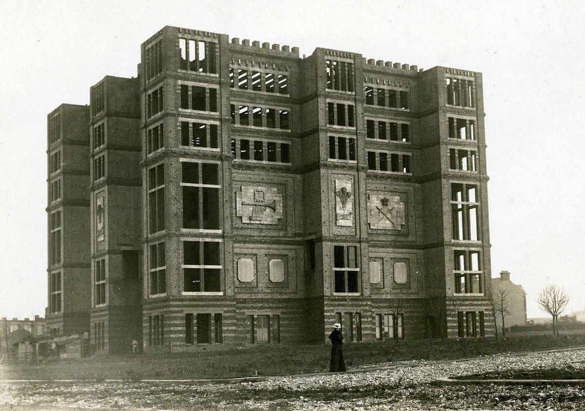 Jezreel's tower in 1903 in it's final incomplete form