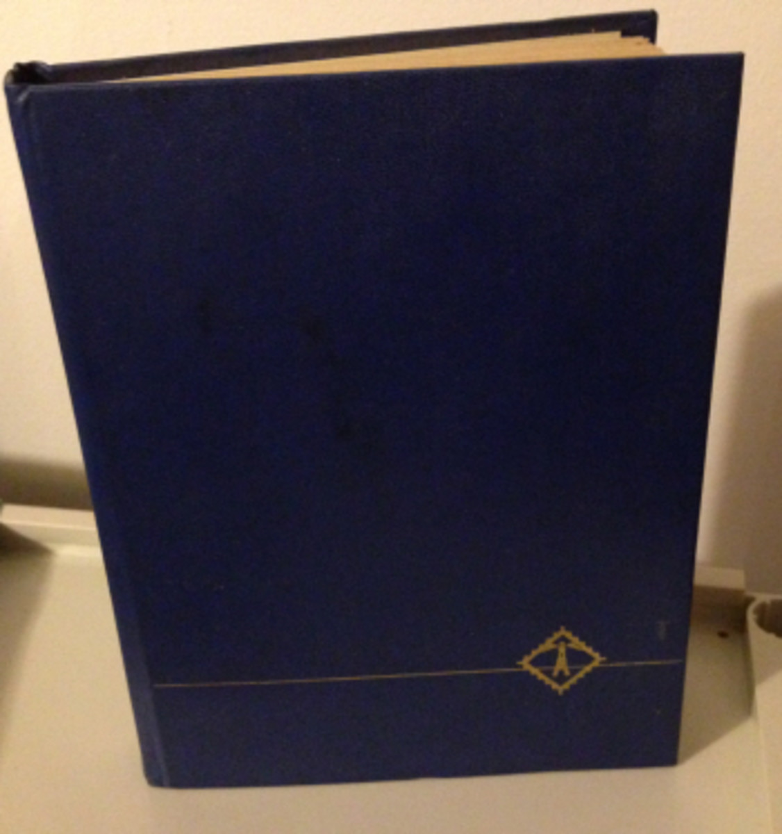 "A regular size stockbook, about 8"" x 11""."