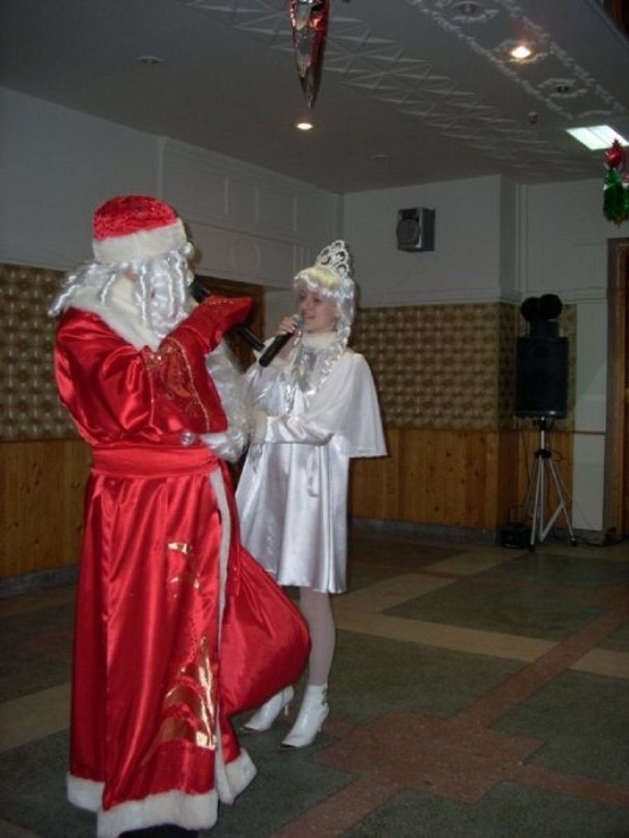 Father Frost and Snow Maiden, New Years Eve in Yoshkar-Ola, Russia