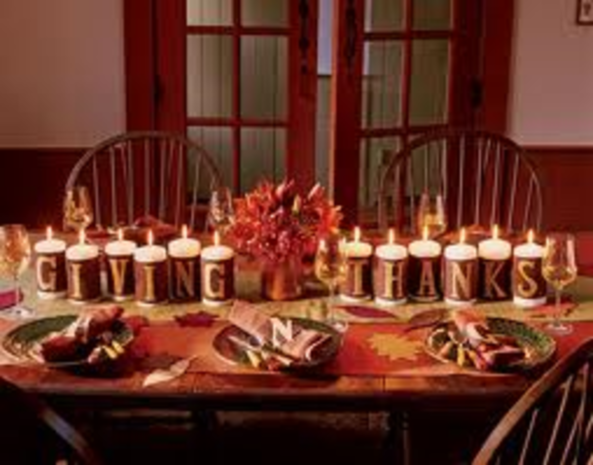 setting-the-kids-table-for-thanksgiving