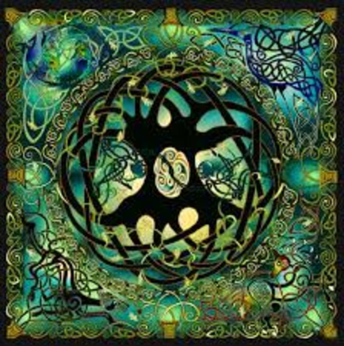 The Tree of Life design inside a Hollow Earth motif seems to be a reoccurring theme in Celtic art .