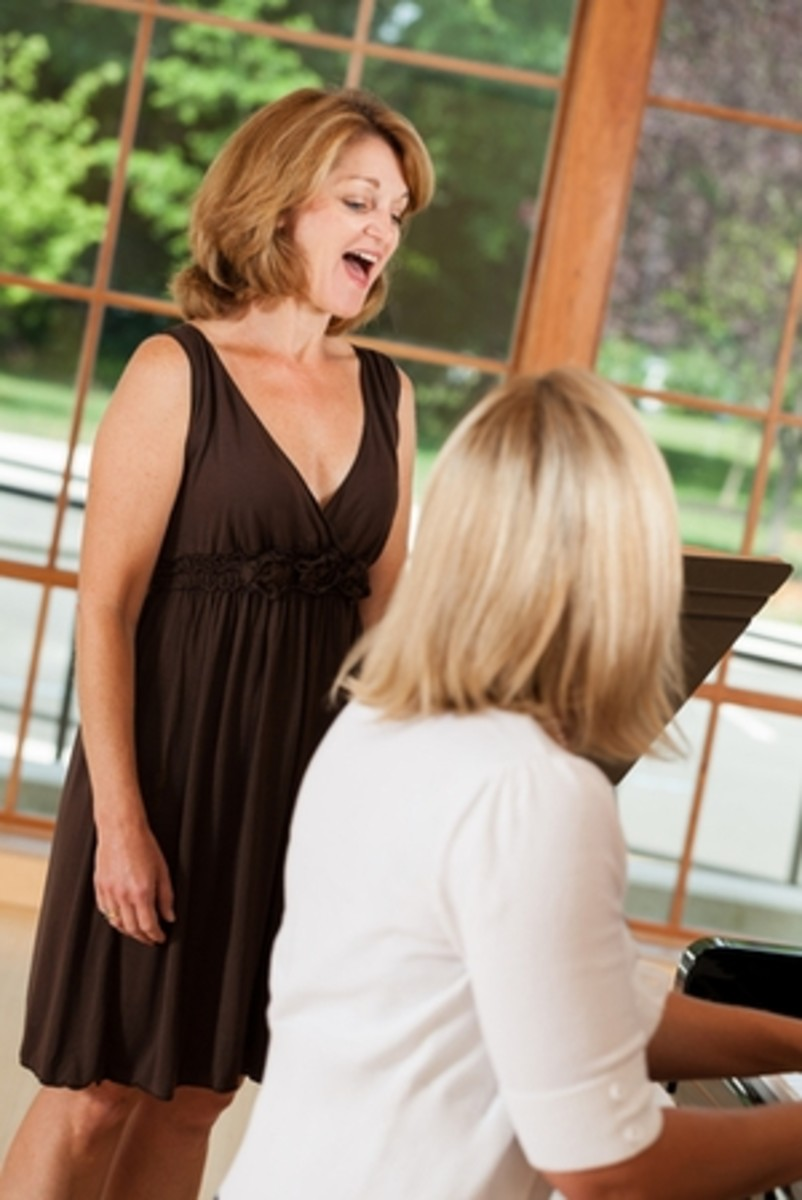 You can learn how to improve singing with these two simple voice exercises!