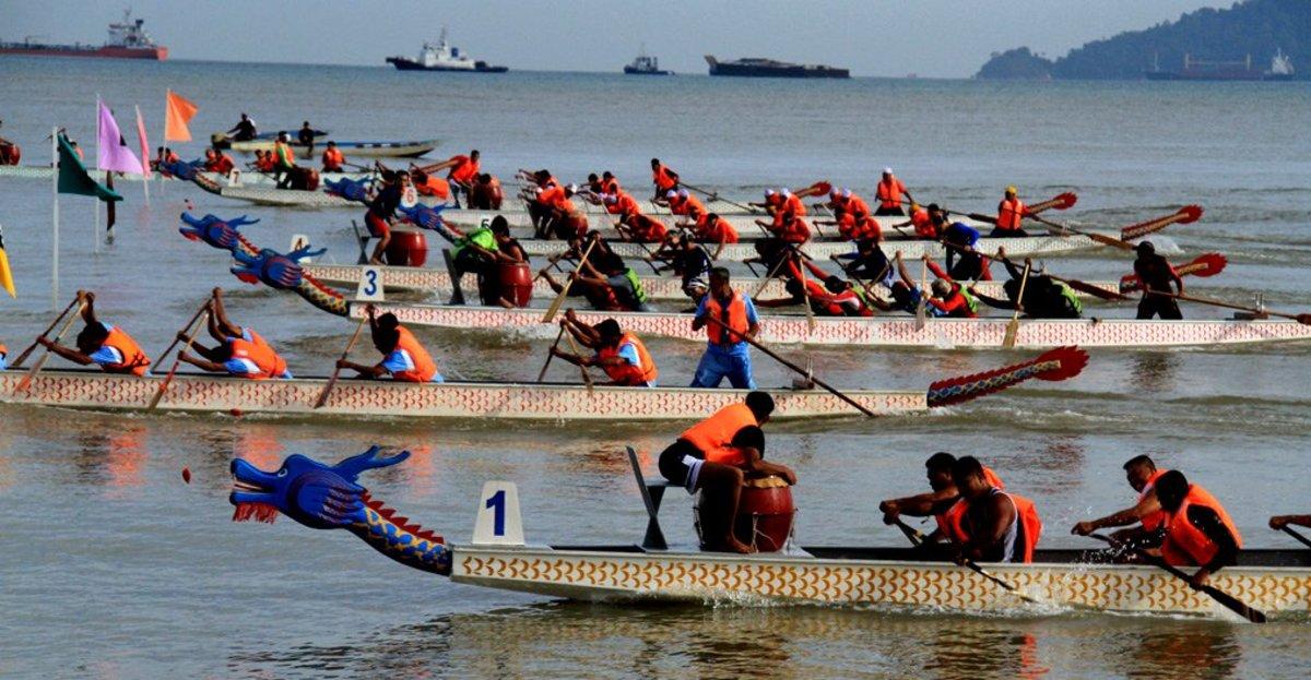 Sabah Dragon Boat Race at Likas Bay