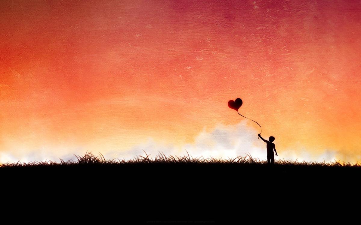 imgage of a heart baloon
