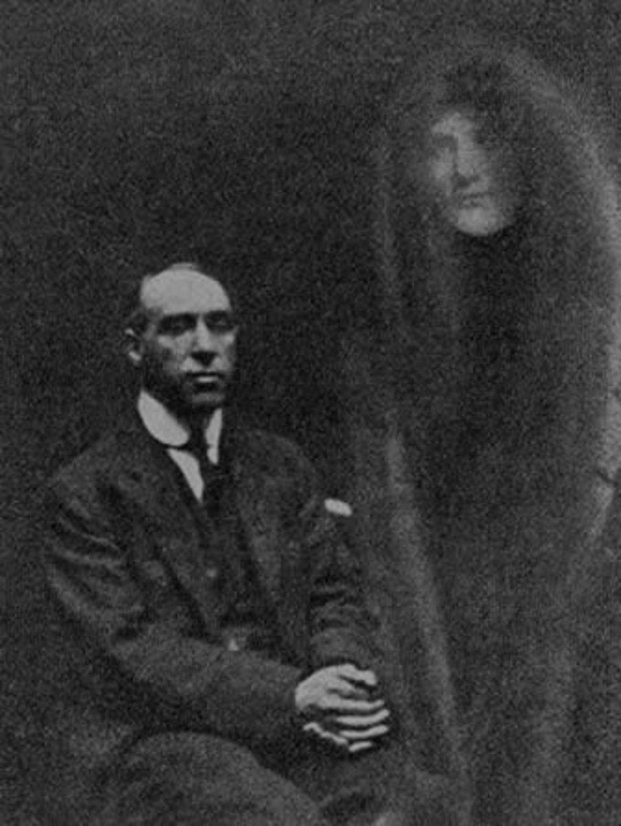 William Hope of the Crewe Circle with spirit