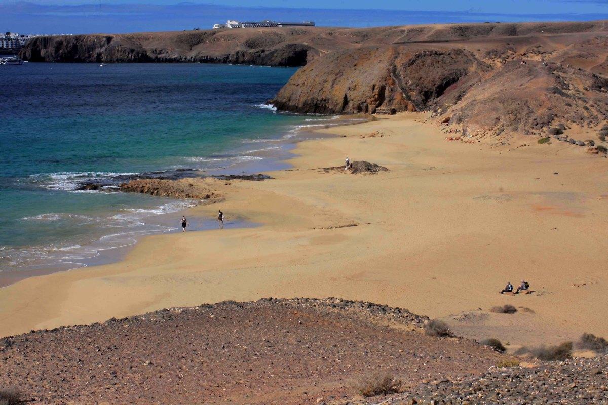 Playa del Pozo looking north