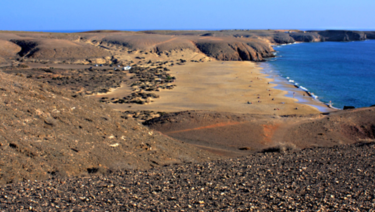 Playa Mujeres. This beach is about 400m long and 85m wide