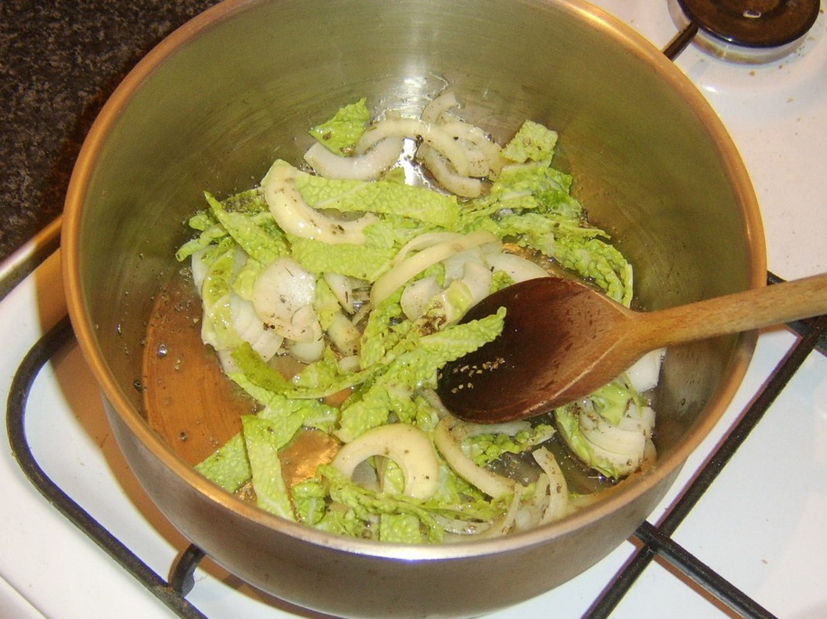 Braising cabbage and onion