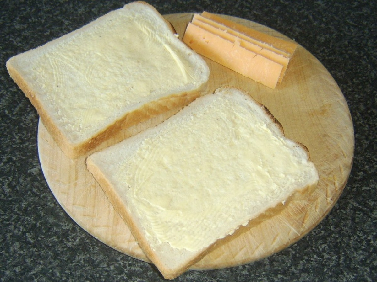 Buttered bread and cheese for toastie