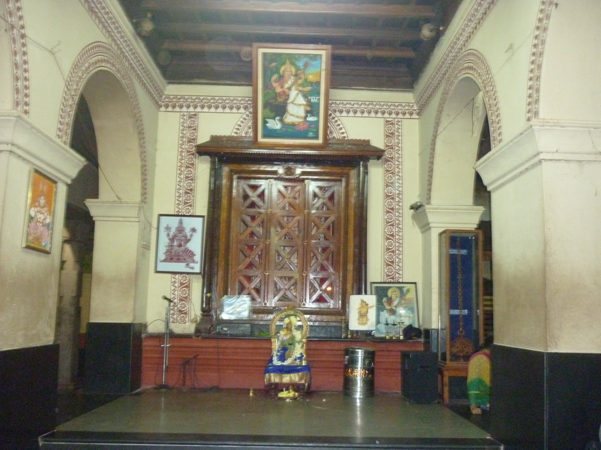 Saraswathi Mandap (Stage), A good place for Artists tor their maiden performance.