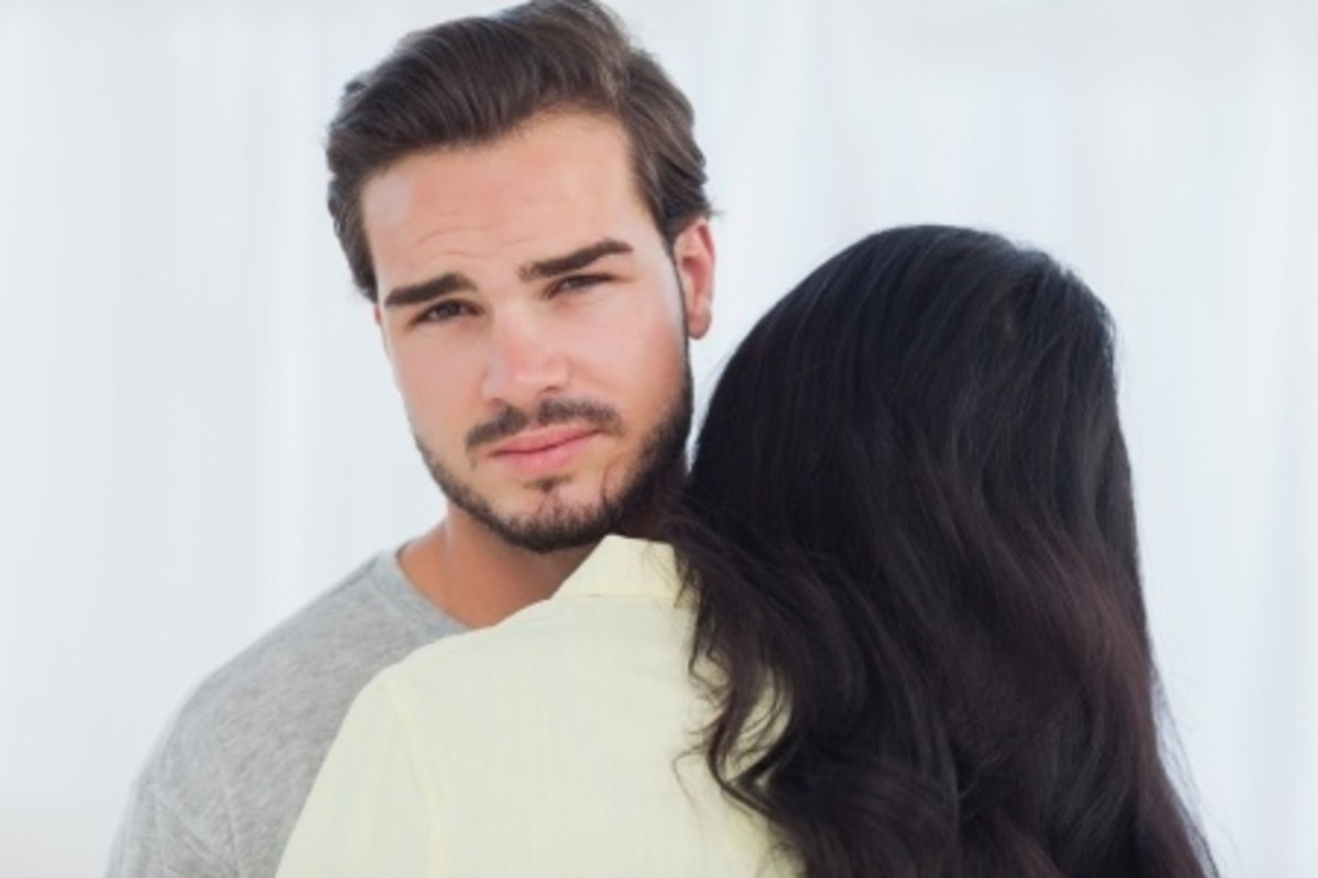 what not to do when dating a divorced man Dating a man who is separated but not yet divorced learn some of the cues you need to be aware of posted aug 29, 2016.