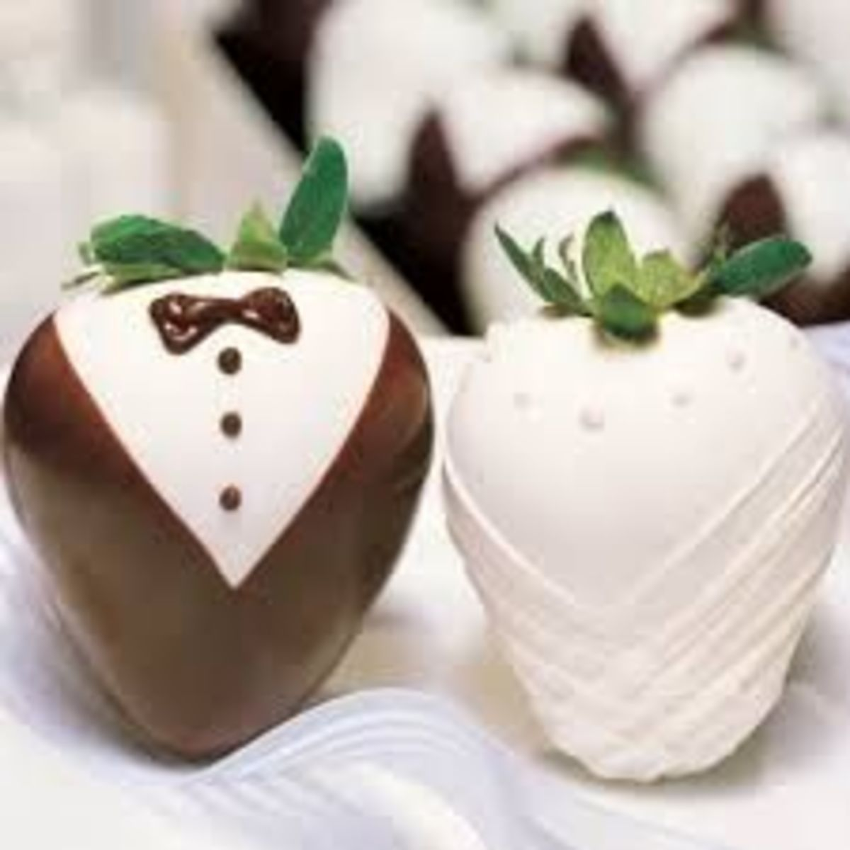How To Make Tuxedo Chocolate Strawberries