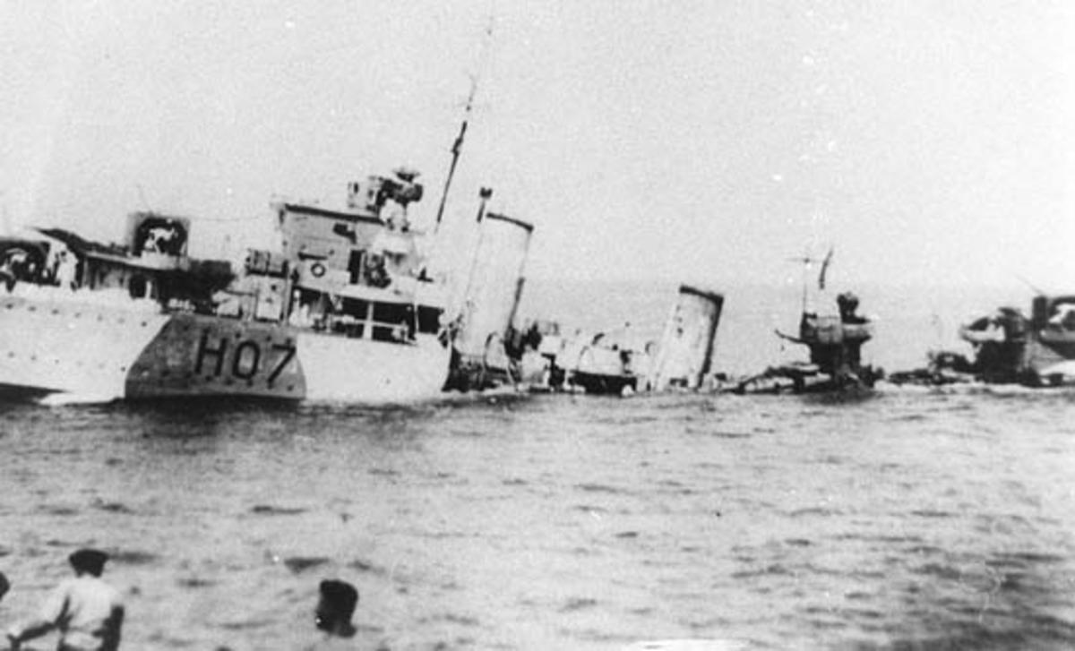 HMS Defender sinking