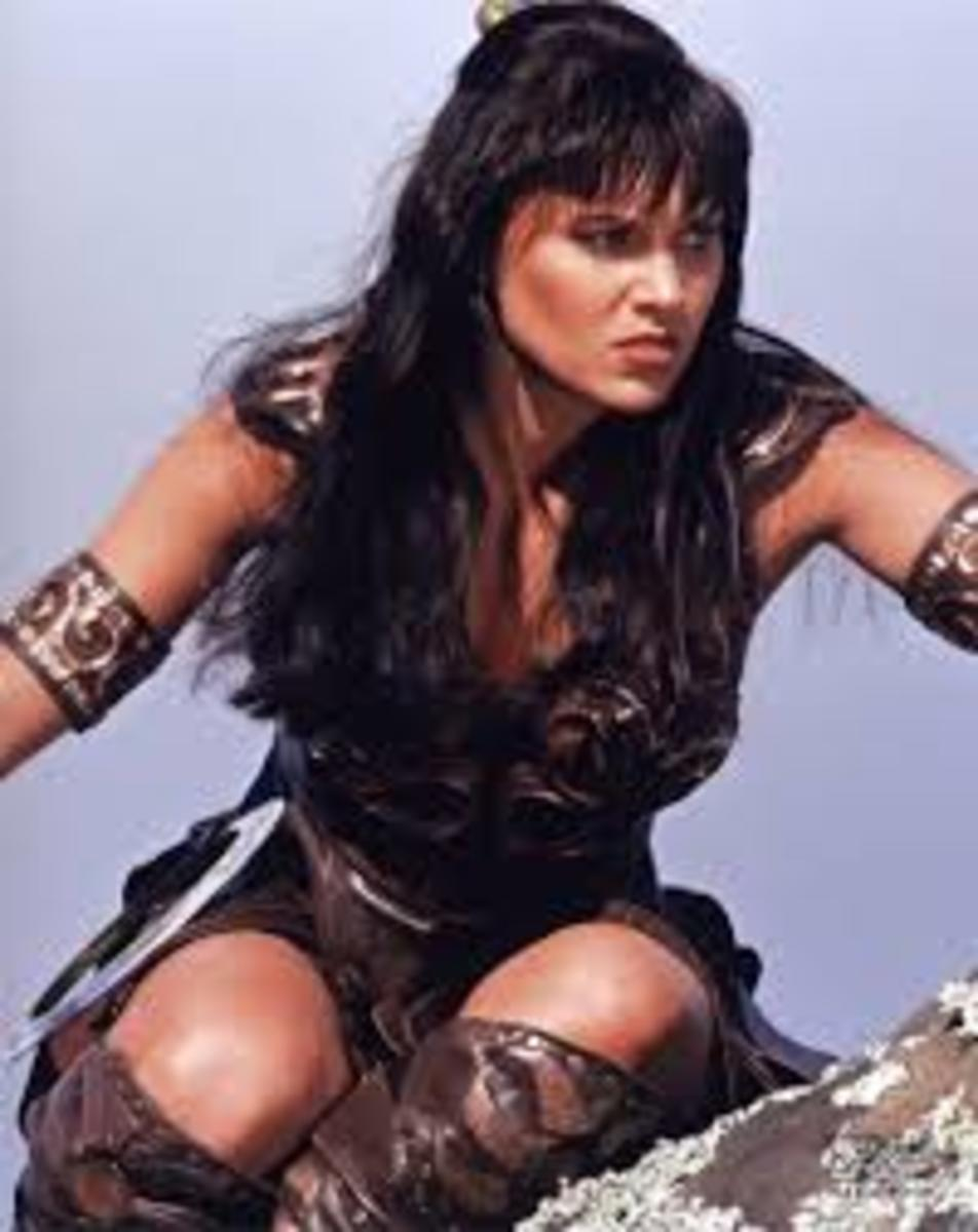 Lucy Lawless has her Ascendant (AS) in 5°58' Aries, making her a first decan, Mars ruled Aries Ascendant