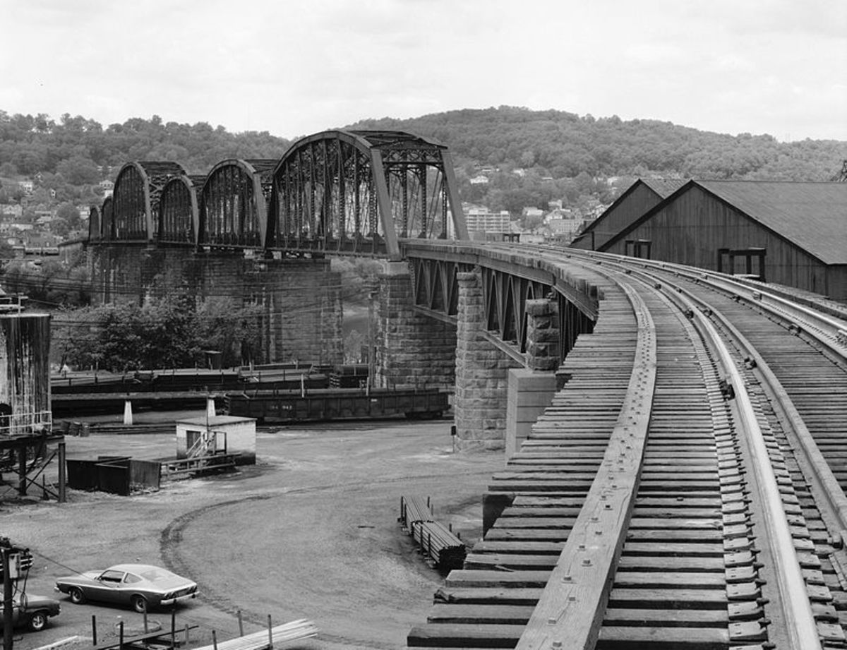 """The Movie """"Unstoppable"""" B & O Bridge in Bellaire OH and Benwood WV."""