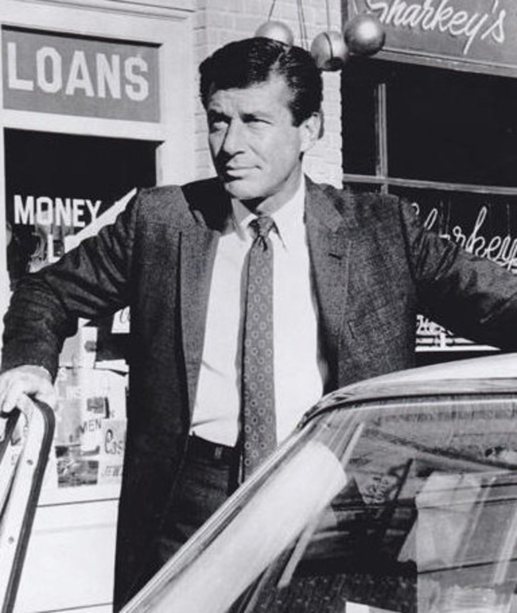 """77 Sunset Strip"" Private eye Stuart Bailey who ran a Los Angeles detective agency. The show, one of the first TV series hits from the Warner Brothers studio, ran on ABC from 1958-64"