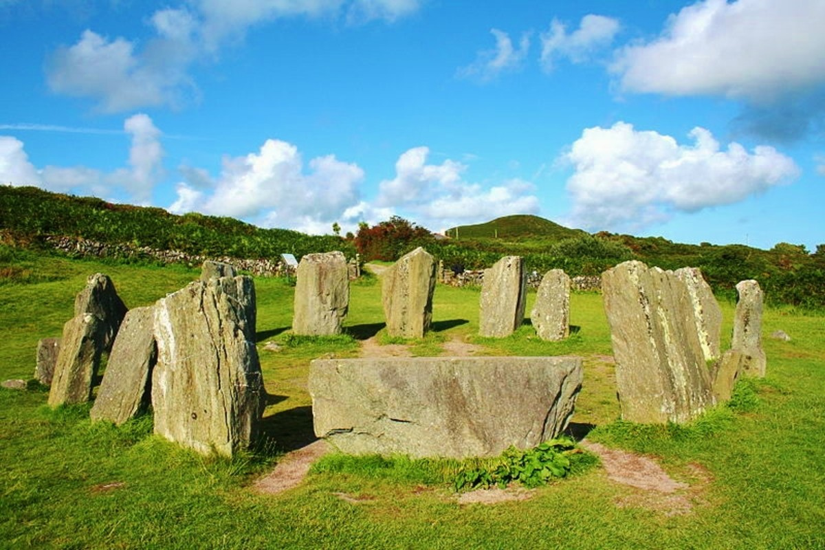 Drombeg Stone Circle. Photo by Ingo Mehling.