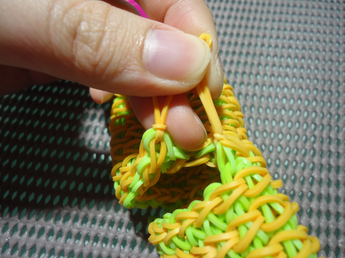 Tie the two slip knots together to secure into place.