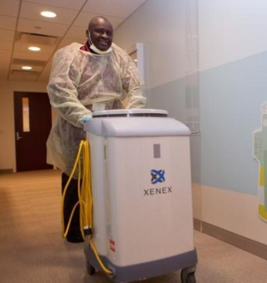 """""""Little Moe"""" Ebola Killing UV Light"""