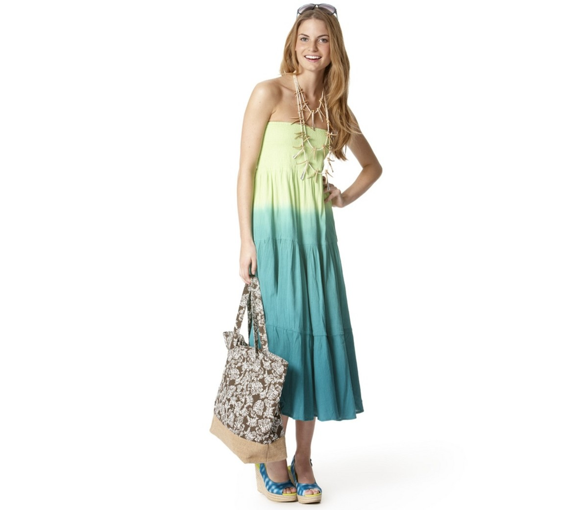 Maxi dress with wedges