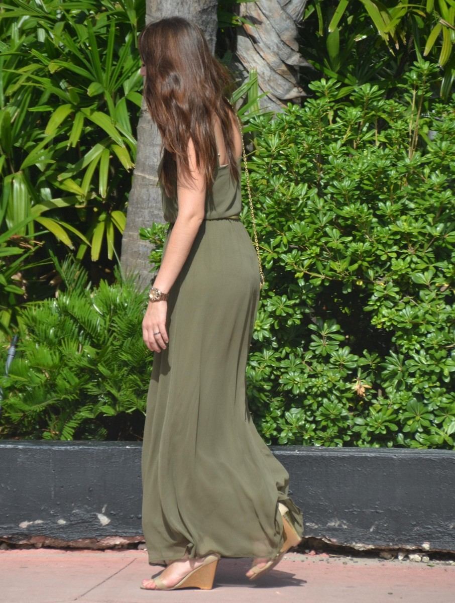 Maxi dress with heels