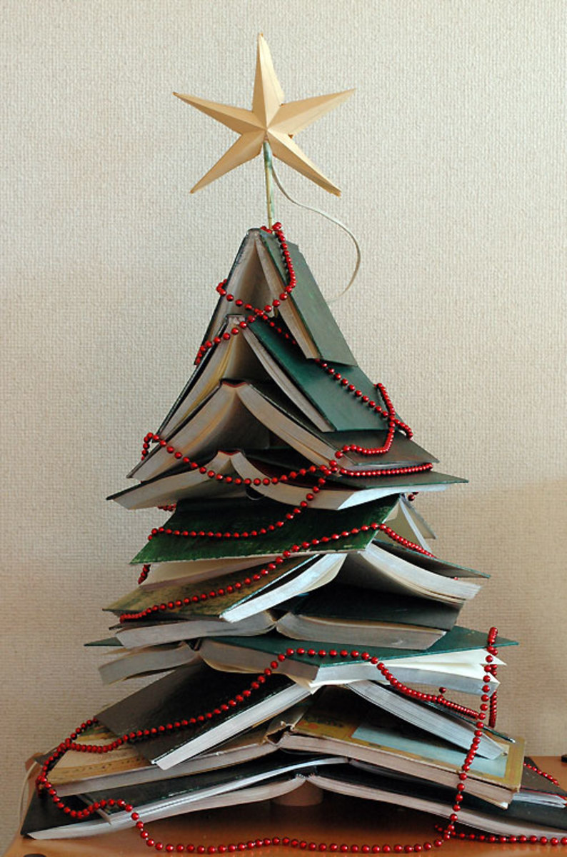 Simple Book Christmas Tree