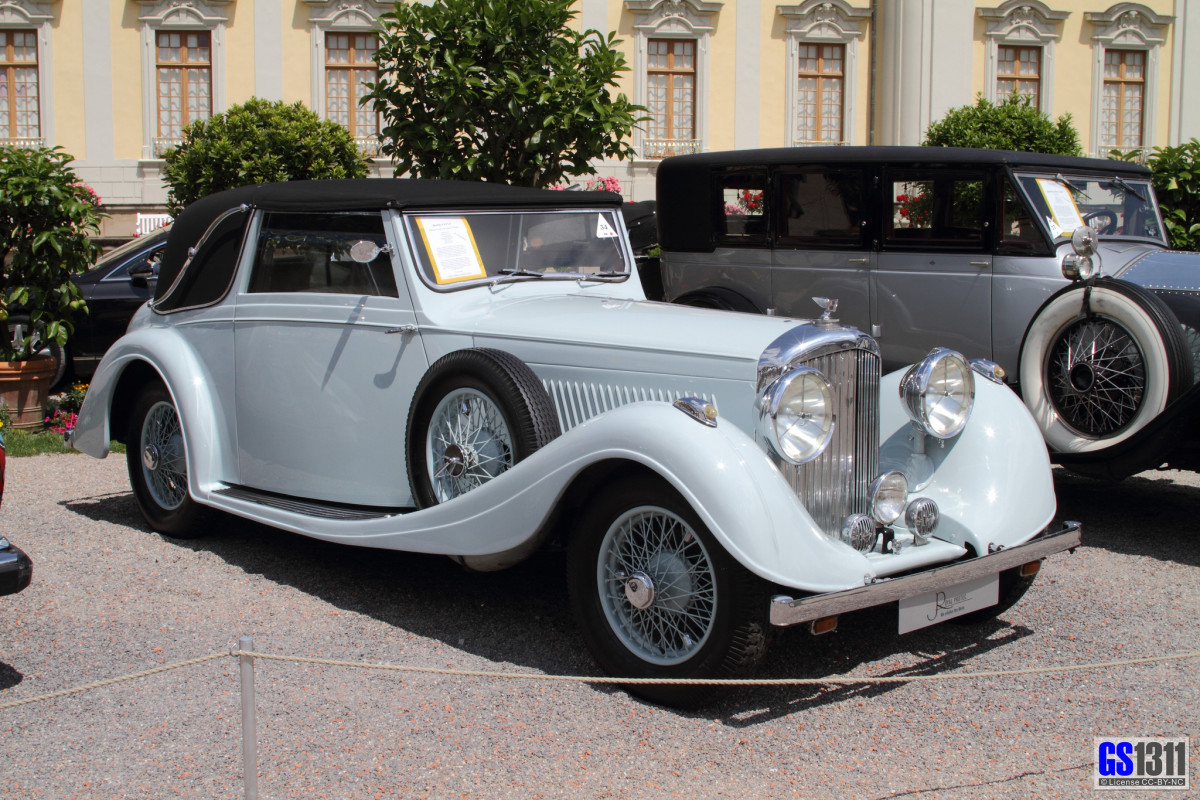 Bentley 1936, Drophead 4¼ Litre feature in James Bond movie.