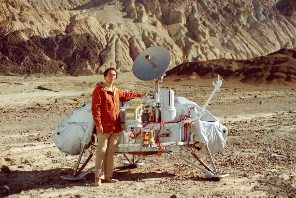 Carl Sagan and Mars Viking lander