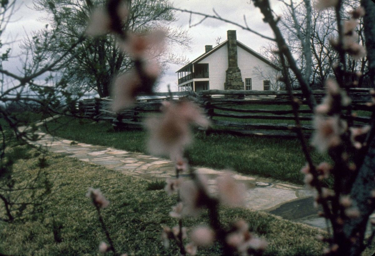 A view of the Elkhorn Tavern as the rebels approached the crest of Pea Ridge.