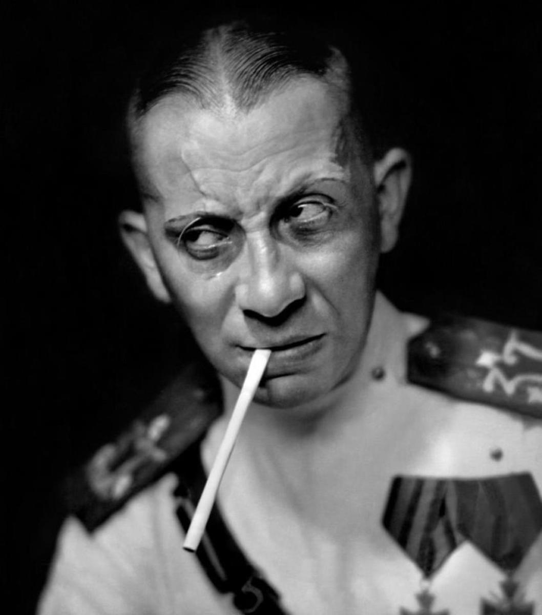 Pre-War Von Stroheim: note the very large cranium, bulbous nose, the very large ears and the prematurely receding hairline.