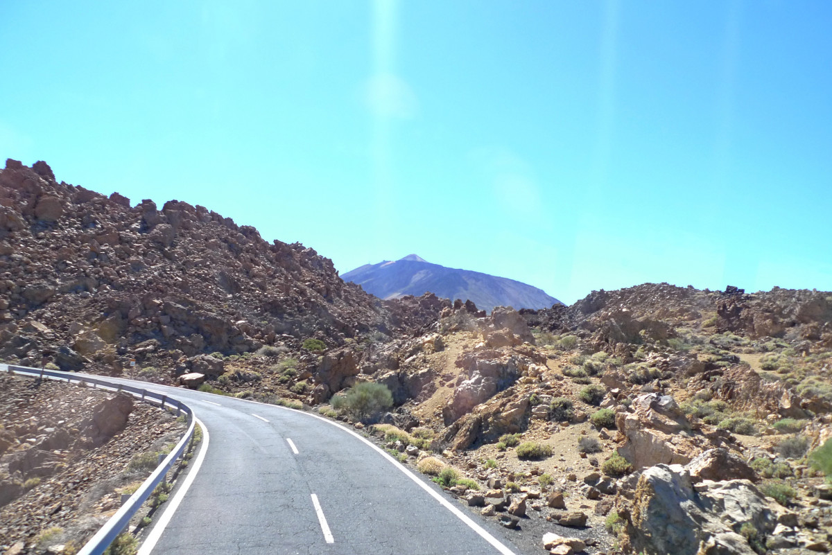 The roads of Tenerife often involve climbing and with Teide in the distance you know there's more to come