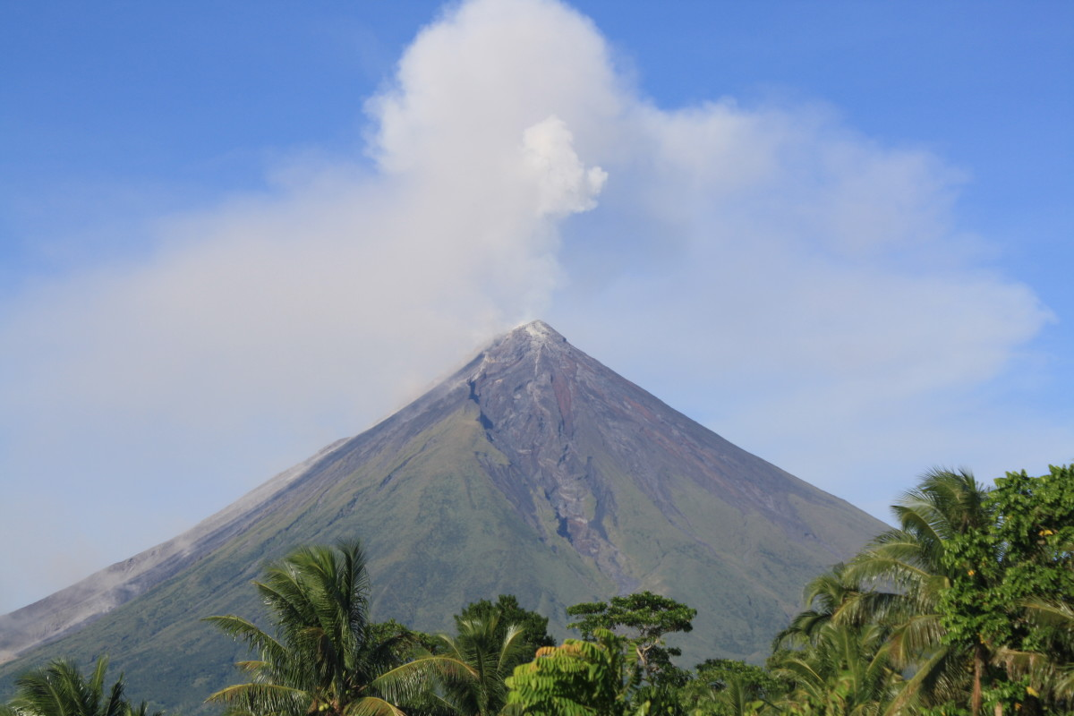 Most black sand beaches are near volcanoes. This one is the view of Mt. Mayon in Albay.