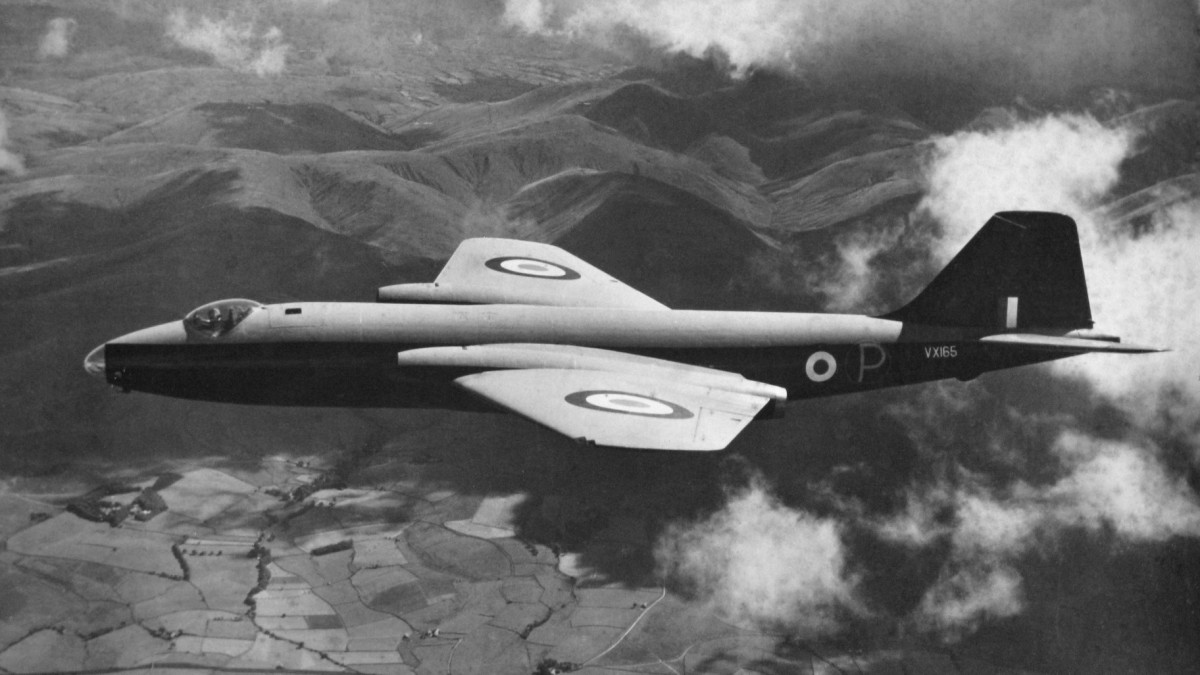 romance-of-the-canberra-light-bomber-with-the-indian-air-force