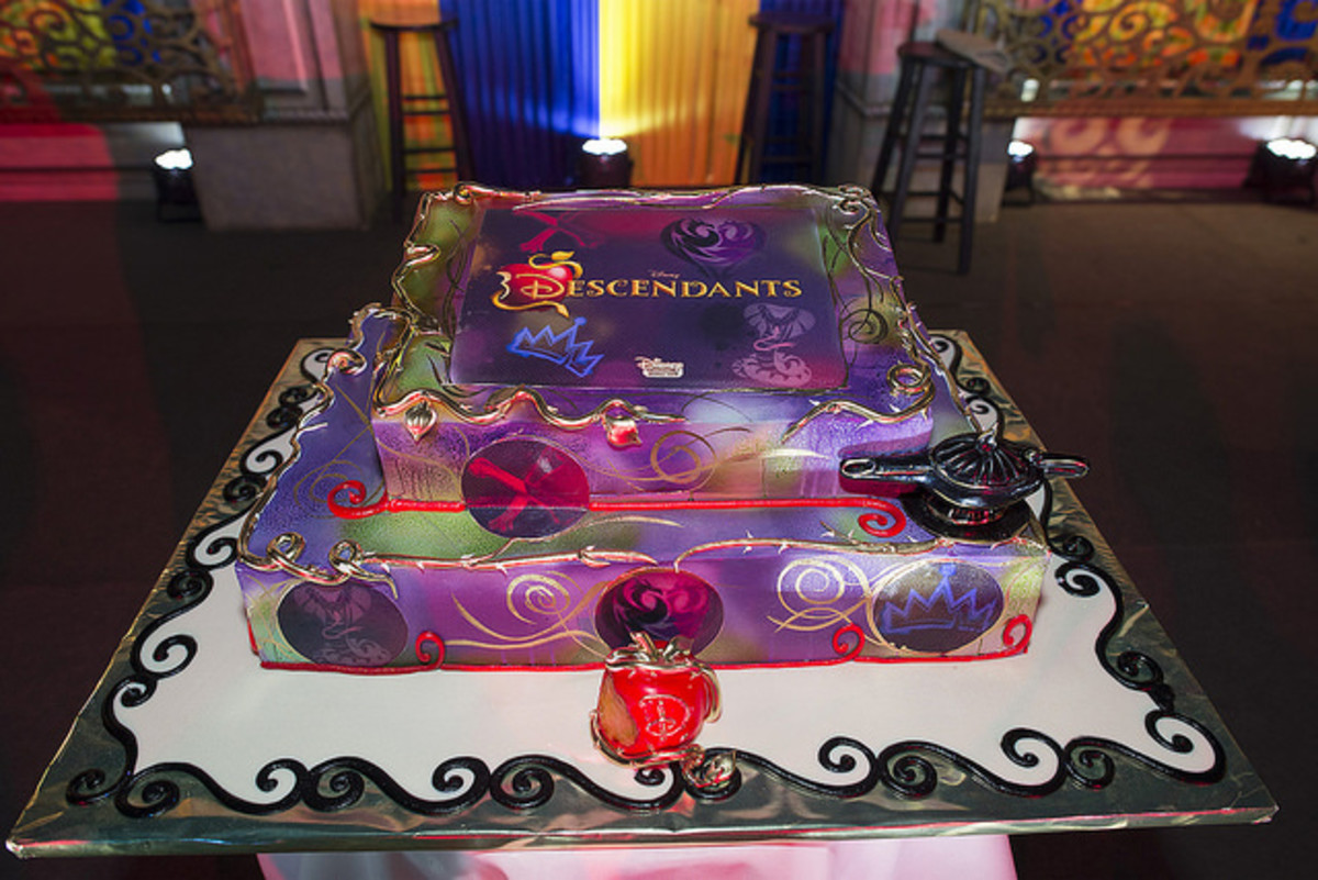 Disney Descendants cake at viewing party.