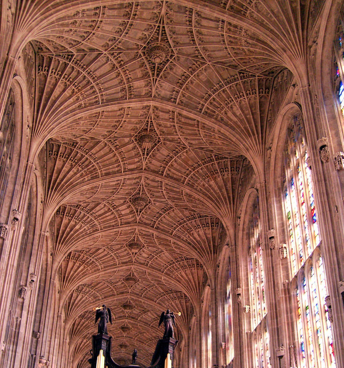 The depressed arch supported by fan vaulting at King's College Chapel, England.