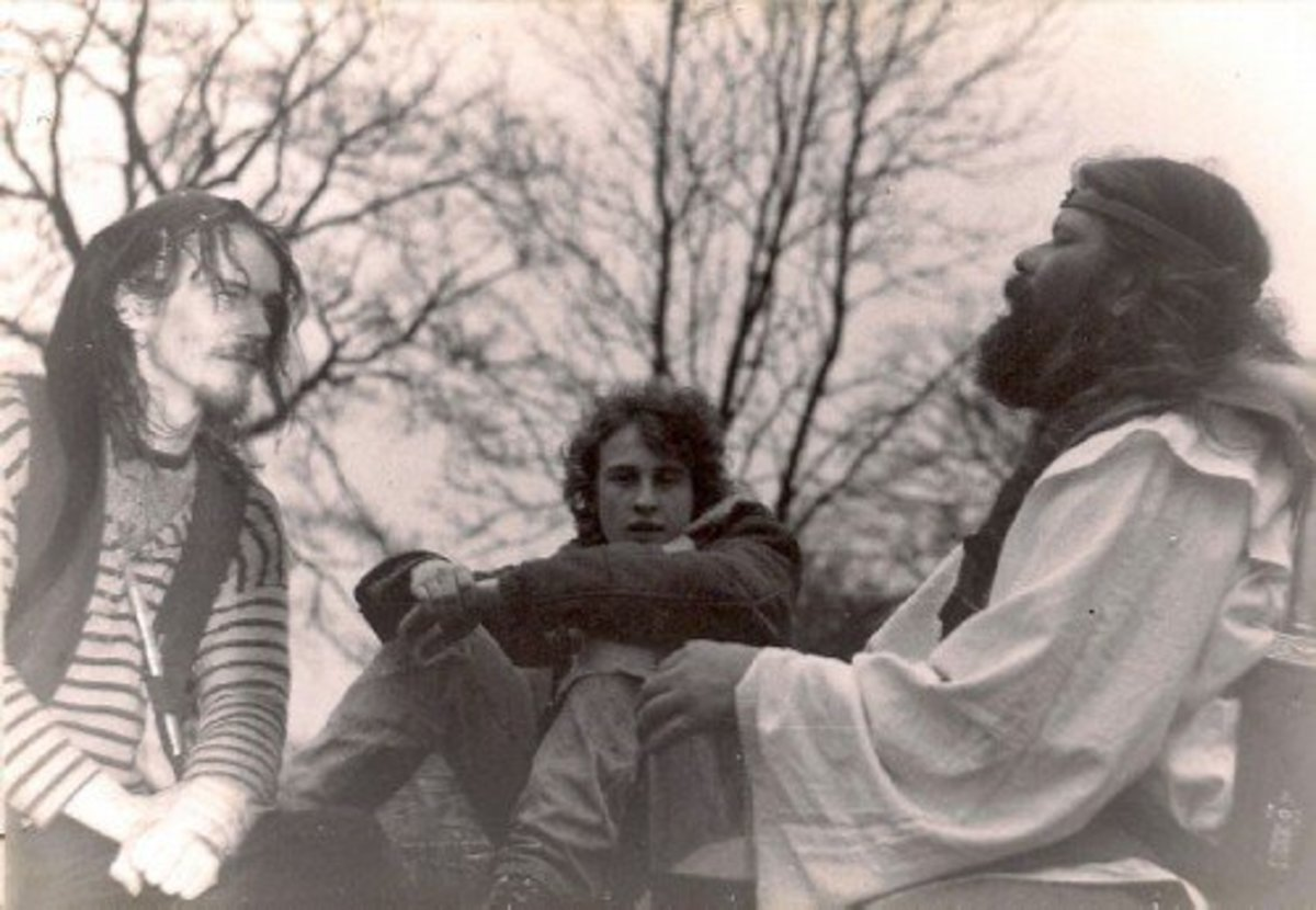 Pixi (left) with King Arthur Pendragon and Bill the Nirvana fan.