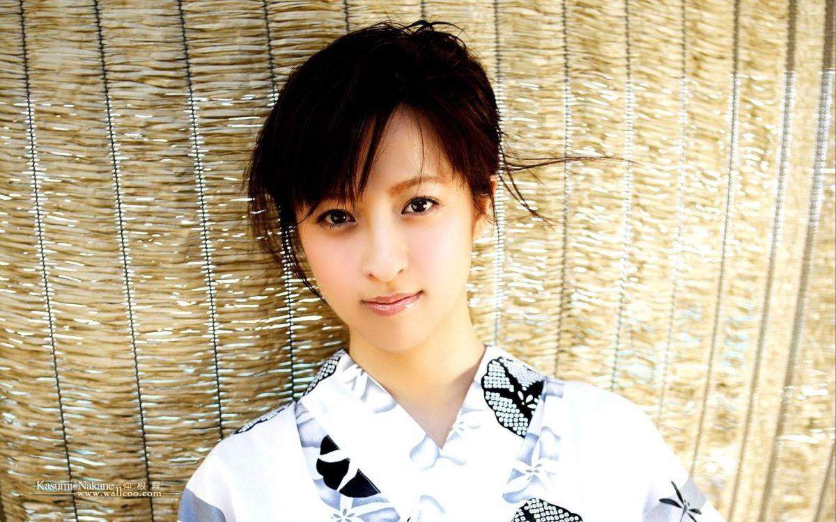 Kasumi Nakane is dressed in a kimono.