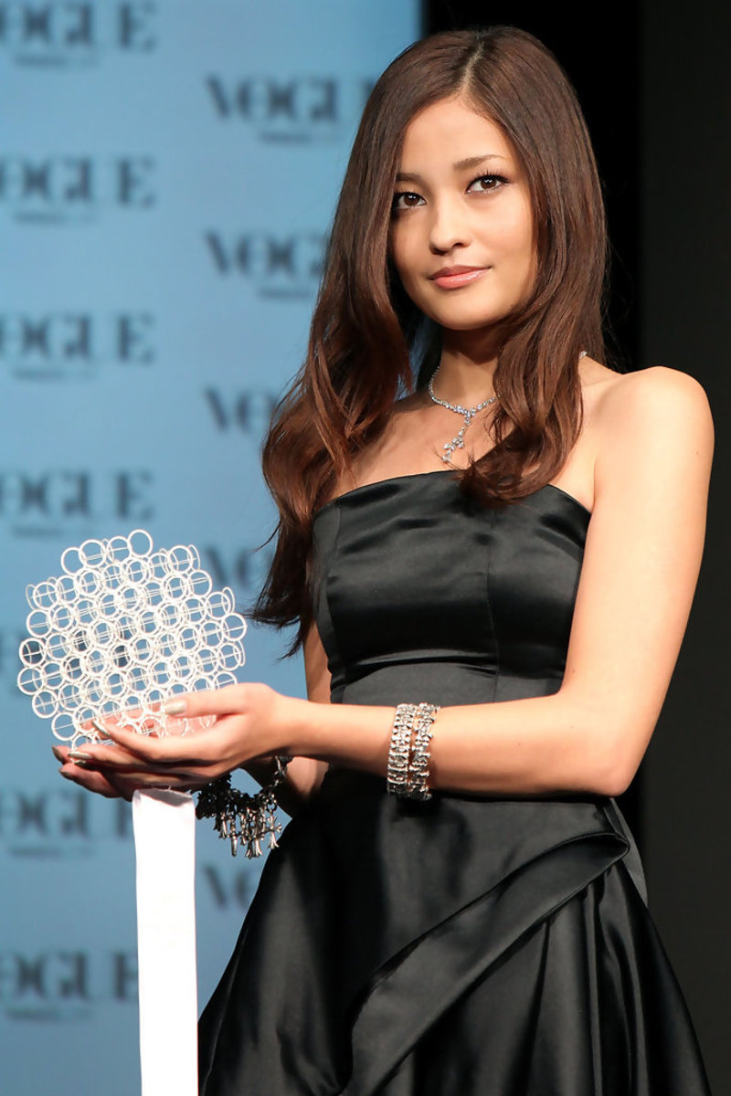 The beautiful Meisa Kuroki wins an award during the Vogue Nippon Women of the Year event back in 2010.