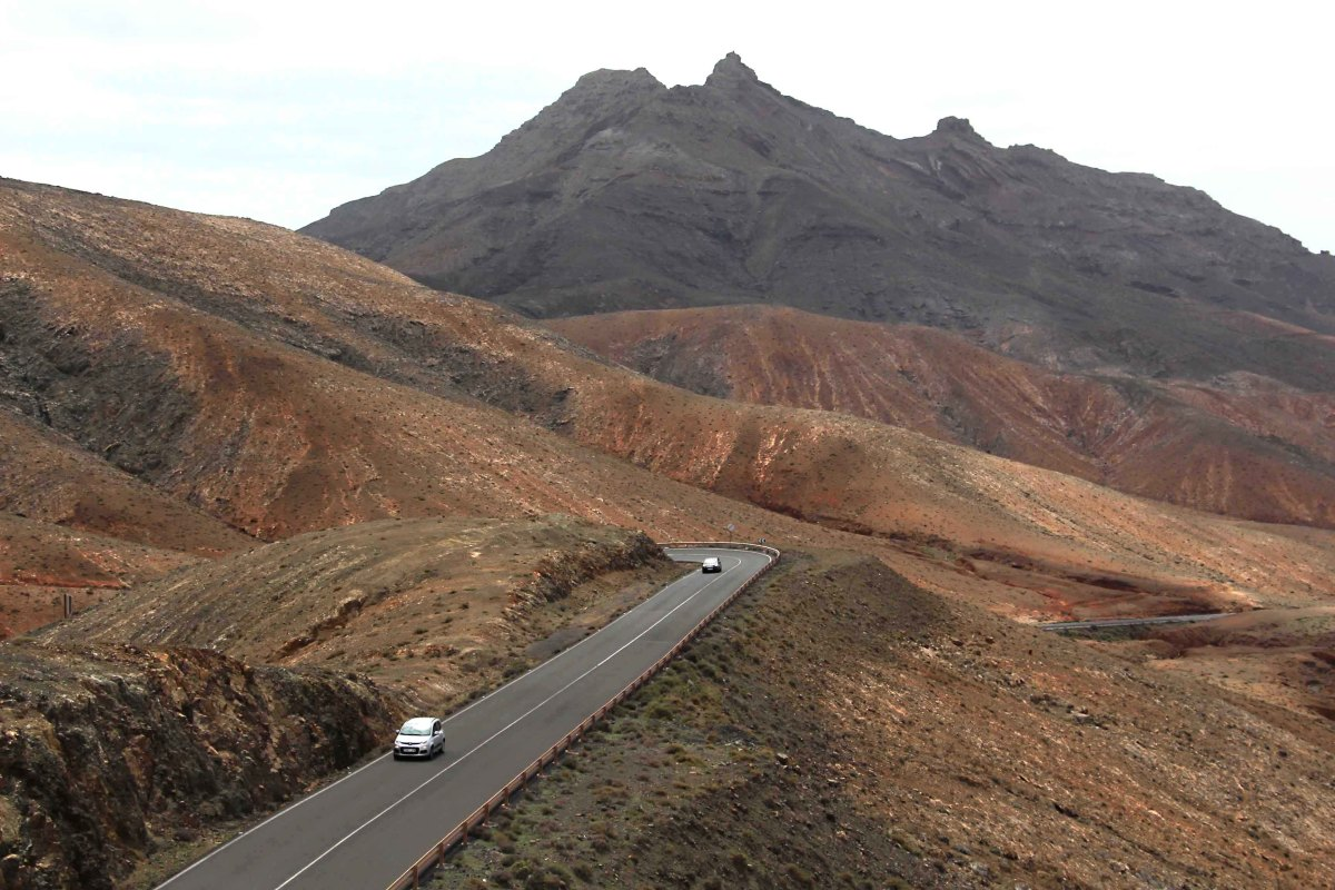 Roads on Fuerteventura are usually well maintained, and traffic is sparse