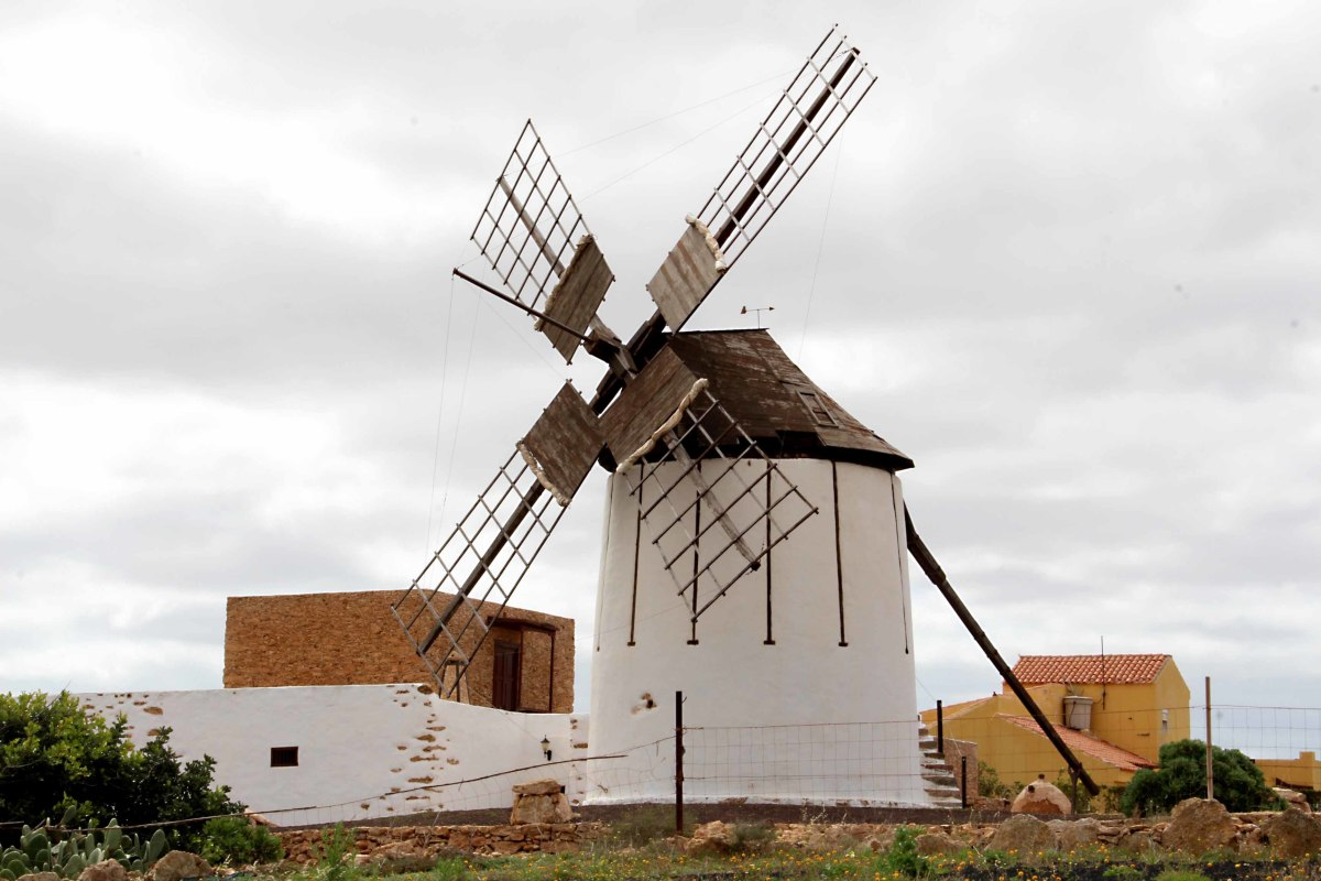 A reminder of the importance of wind, harnessed as windpower, on Fuerteventura. This windmill - one of many on the island - can be found with an associated museum in the village of Tiscamanita